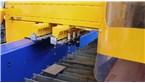 Plazmový rezací stroj MG s vrtákom a 8-násobným výmenníkom nástrojov:::Zariadenie MG v ŽOS Zvolen a.s. je vybavený plne automatickou podporou vŕtania. Dva 8-násobné meniče nástrojov pod portálom zabezpečujú rýchlu a jednoduchú výmenu nástrojov.